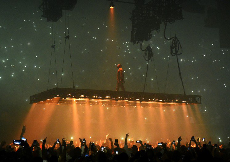 kanye-west-performs-at-the-forum-on-october-25-2016-in-inglewood-california