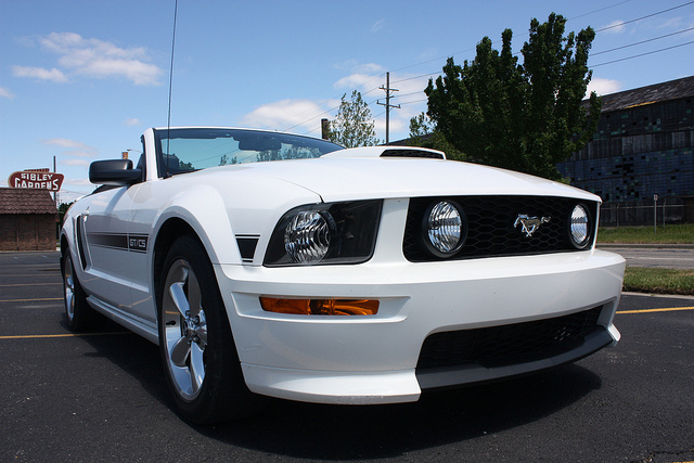 2007-Ford-Mustang-GT-California-Special