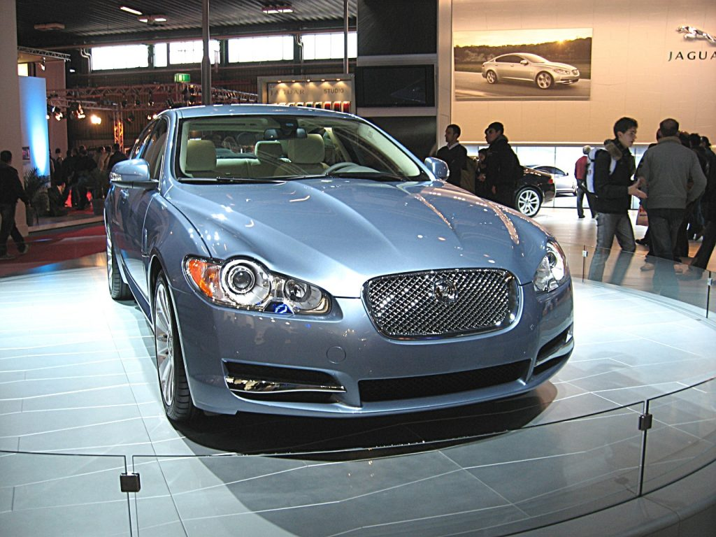 Jaguar_XF_Front-view2-1024x768