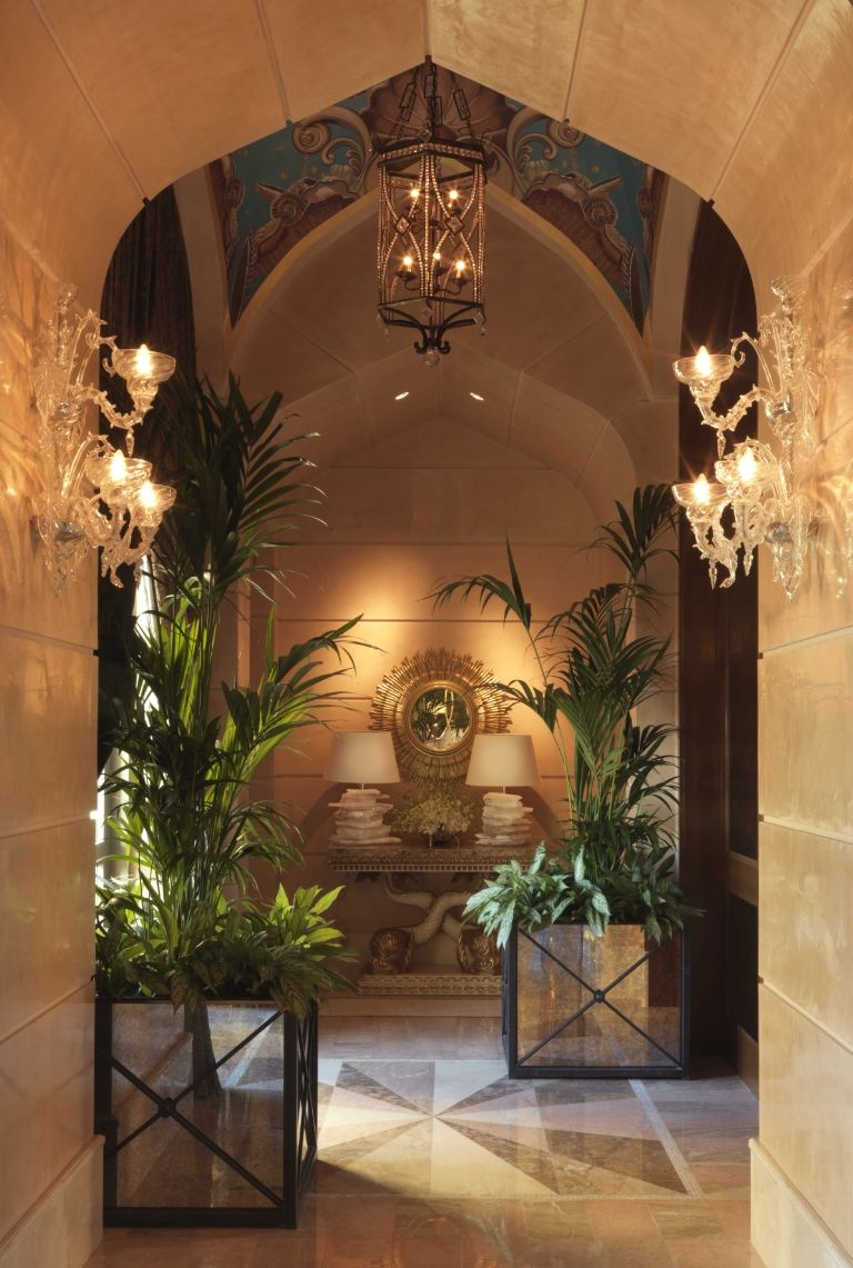 atlantis-the-palm-royal-bridge-suite-corridor-1488465964