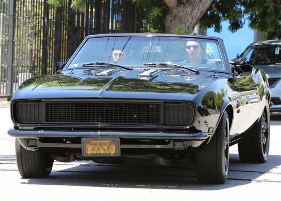 Kendall Jenner picks up a gal pal in her sweet new Camaro GTO