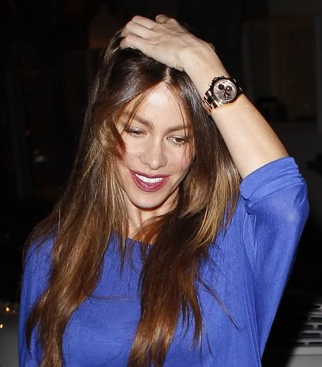 sofia-vergara-and-rolex-daytona-everose-watch-gallery