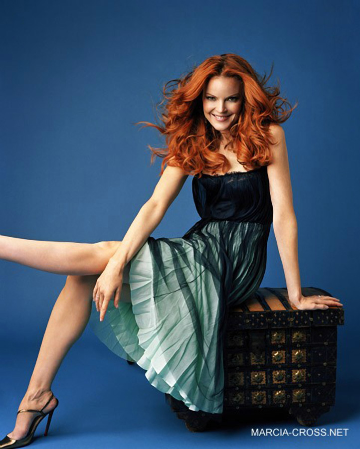 14cb7-marcia-cross-feet-133950